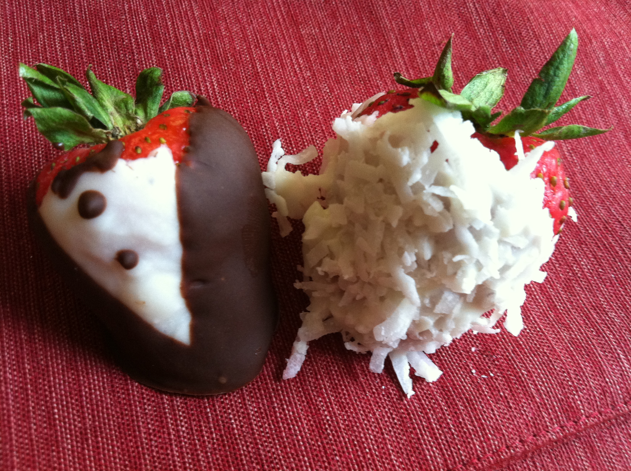 Bridal Chocolate Covered Strawberries | Miss Petite Sweets